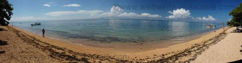 Panorama vom Strand vor dem Hotel Peneeda View Beach in Sanur, Bali