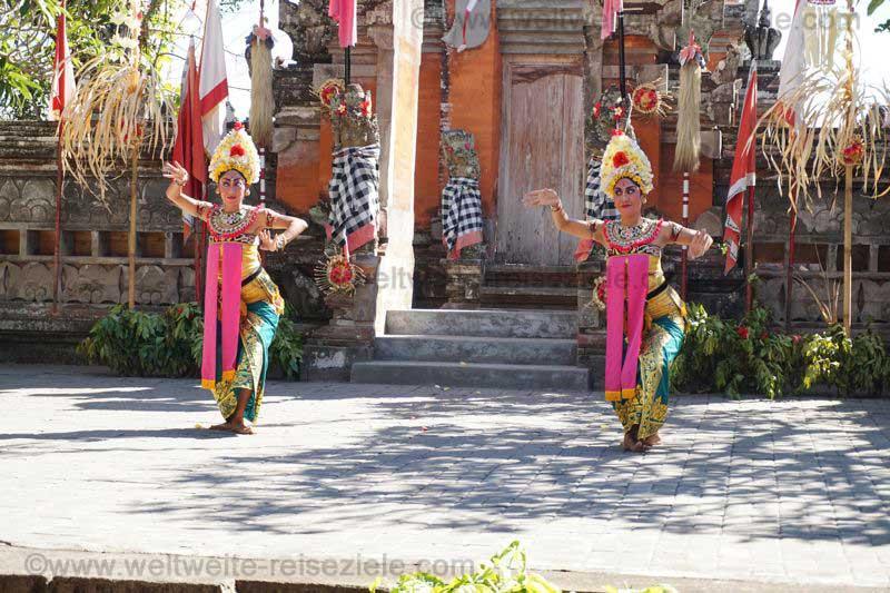 Tänzerinnen Barong Tanz in Bali