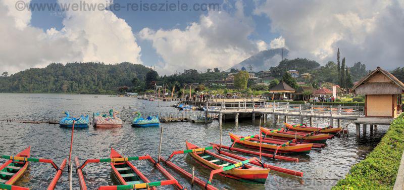 Fischerboote am Bratan See Bali