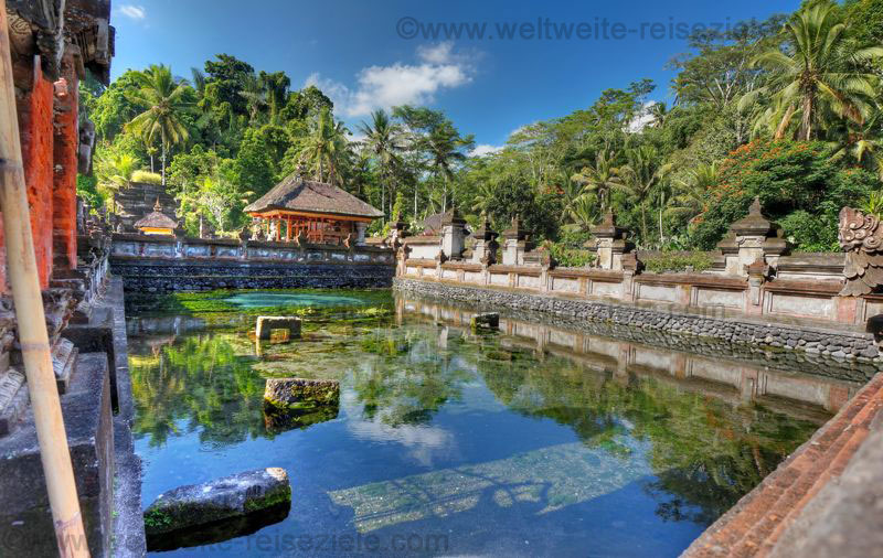 Quelle und Tempel vom Quellheiligtum Pura Tirta Empul, Bali