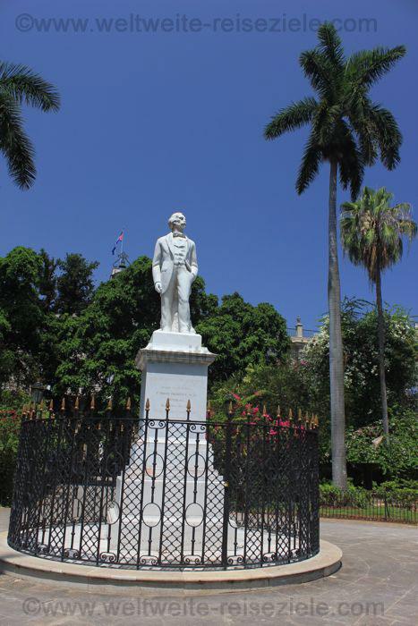 Statue von Carlos Manuel de Cespedes, an der Plaza de Armas