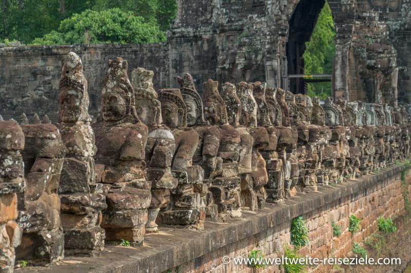 Wächter aus Stein, Angkor Thom Südeingang