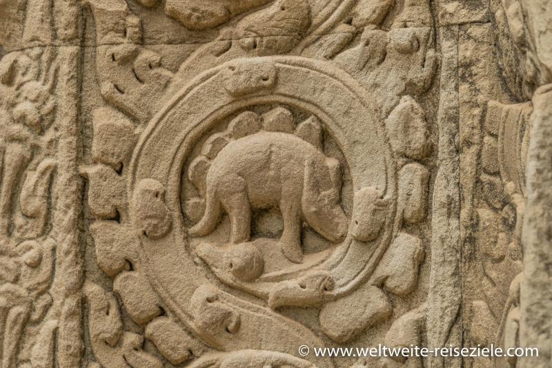 In Stein gemeißelter Dinosaurier, Ta Prohm, Vietnam