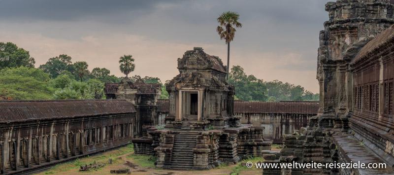 Bibliothek im äusseren Bereich von Angkor Wat Tempel