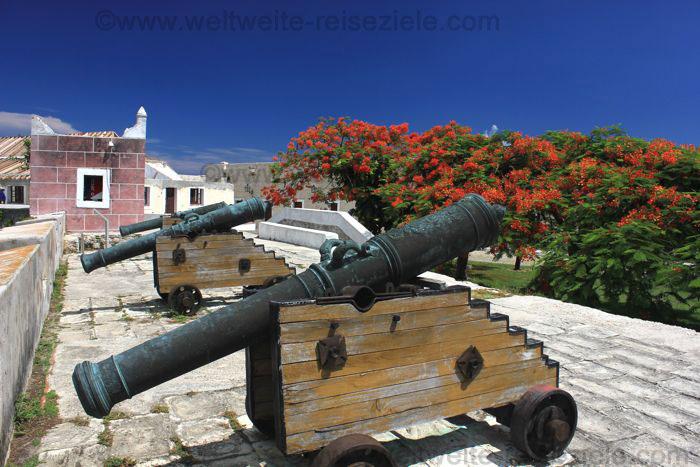 Kanonen Fortaleza San Carlos de la Cabaña, Havanna