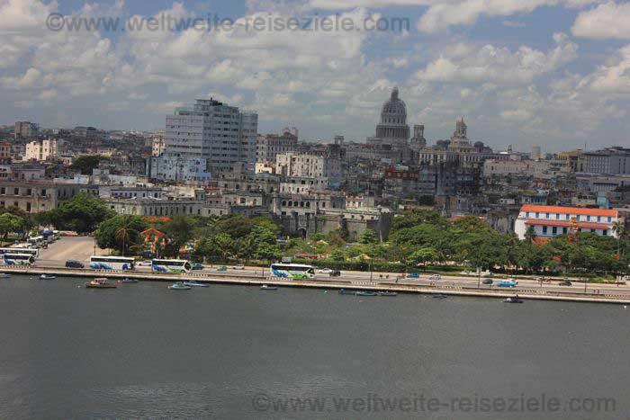 Ausblick auf die Stadt von Havanna mit dem Capitol