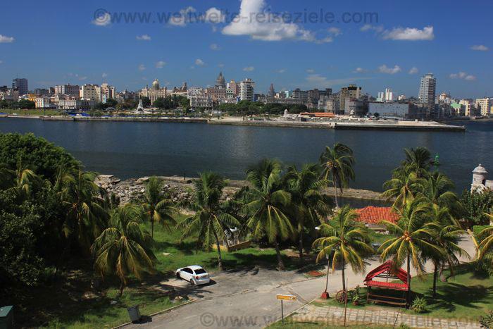 Havann, Aublick von El Morro zur Altstadt und Malecon