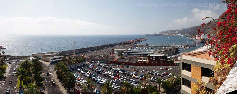 Ausblick über den Hafen von Santa Cruz, La Palma