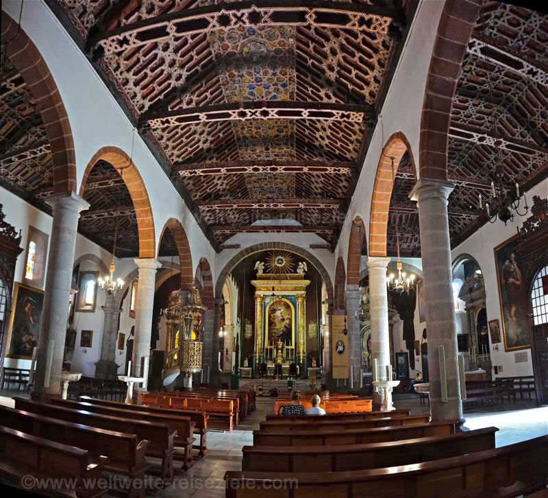 Kirche, im Inneren Iglesia de El Salvador