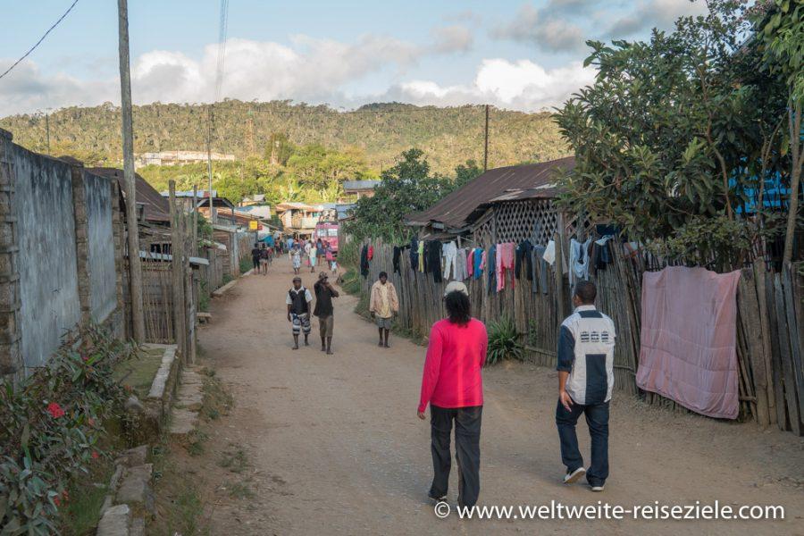 Hauptstrasse von Andasibe