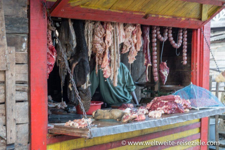 Metzger in einem Stand, Madagaskar