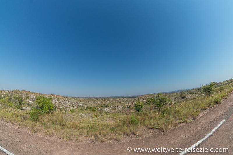 Trocken, karstige Landschaft im Tiefland vor Morondava, Madagaskar Westen