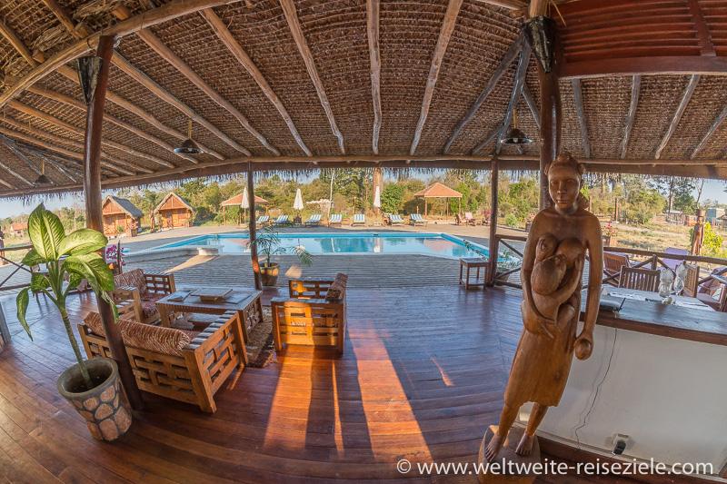Terrasse vom Restaurant des Hotels, Relais du Kirindy und Pool