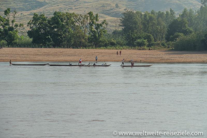 Einbaum Kanus, Fluss Mahajilo