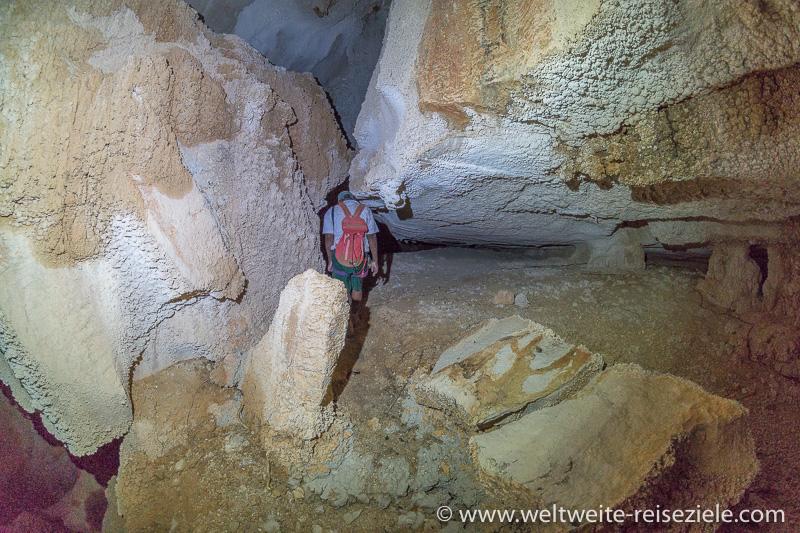 Höhlenwanderung durch den Tsingy de Bemaraha