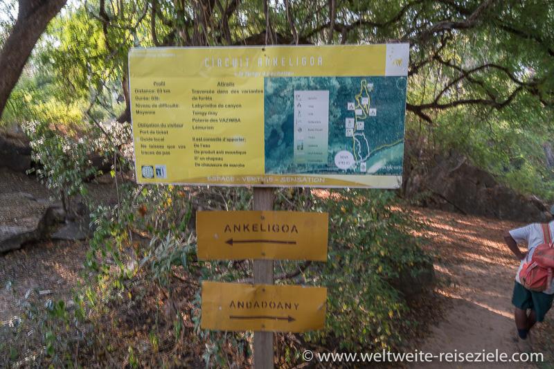 Schild Wandertouren am Kleinen Tsingy, Petit Tsingy