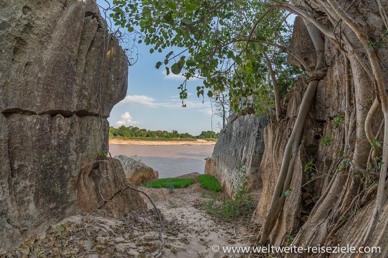 Der Fluss Manambolo am Petit Tsingy