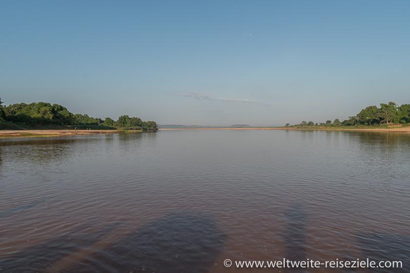 Fluss Manambolo mit Blick in Richtung Westen