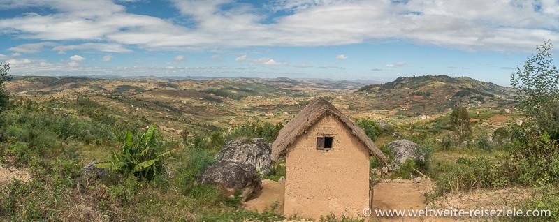 Typisch madagassisches Haus zwischen Ambositra und Ivato