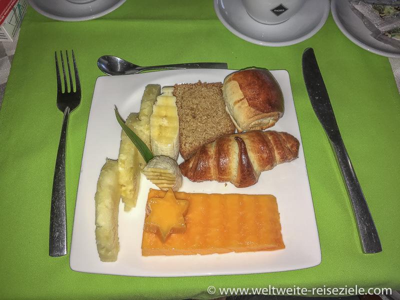 Frühstück im Hotel Karibotel, Ranomafana