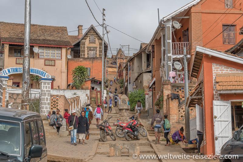 Alte Strasse hinauf in die Oberstadt von Fianarantsoa