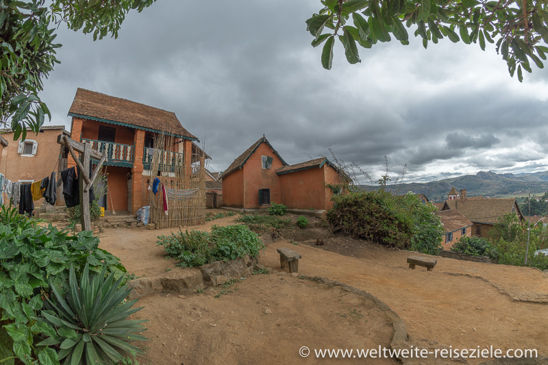 Oberste Punkt der Oberstadt mit Platz und typischen Gebäuden, Fianarantsoa