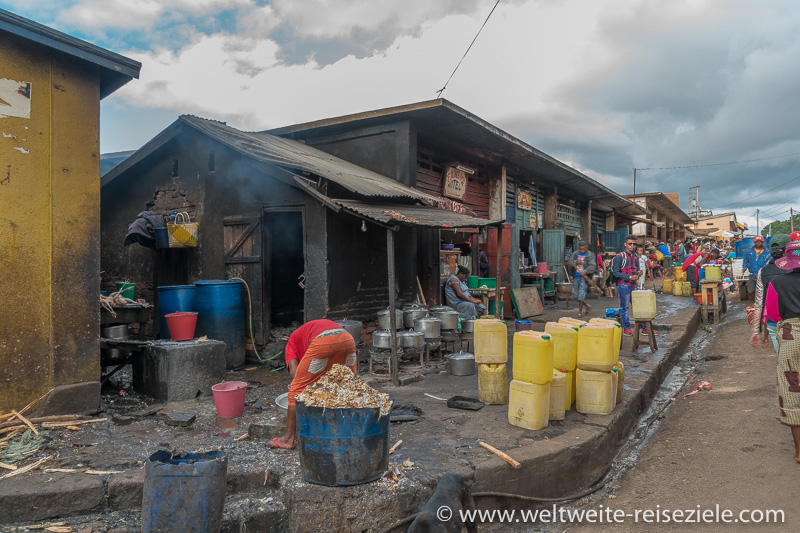 Strassenecke wo gekocht wird, Ambalavao