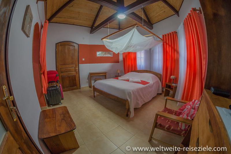 Zimmer der Tsienimparihy Lodge, Ambalavao