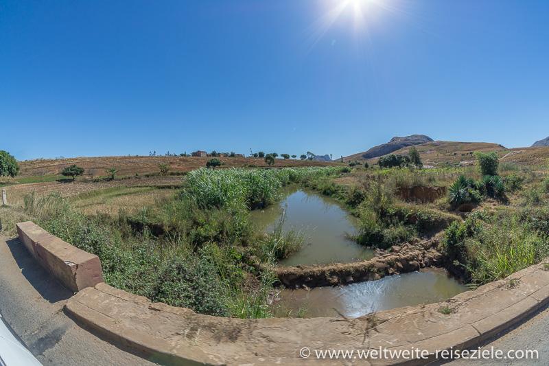 Kleiner Fluss zwischen Ambalavao und Ihosy