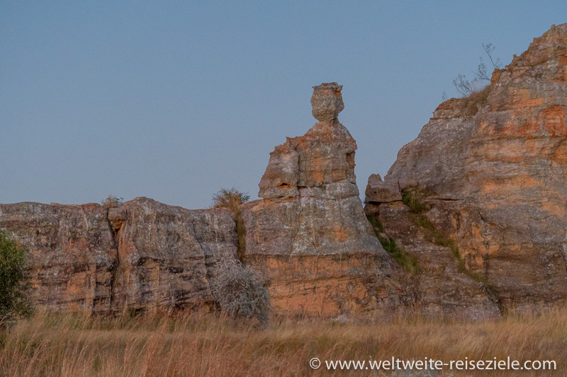 Steinformation, sitzende Königin, Isalo, Madagaskar