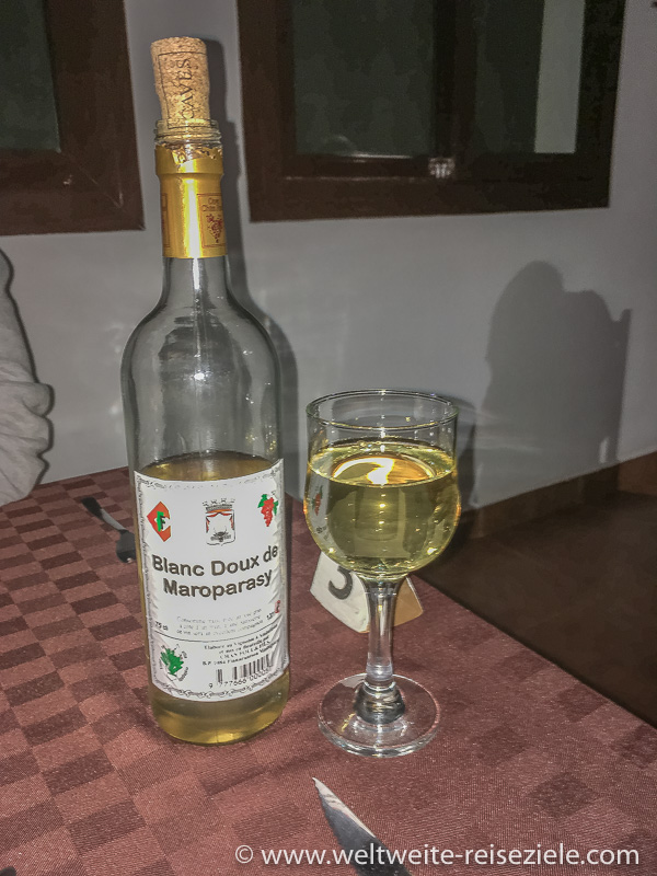Weisswein Madagaskar, Blanc Doux de Maroparasy, Ambalavao angebaut, abgefüllt in Fianarantsoa
