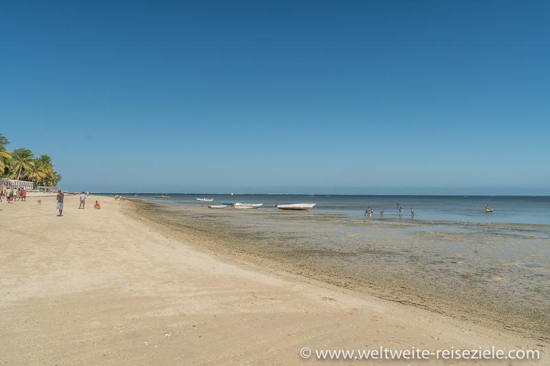 Strandbereich vom Hotel Princesse du Lagon nach Süden