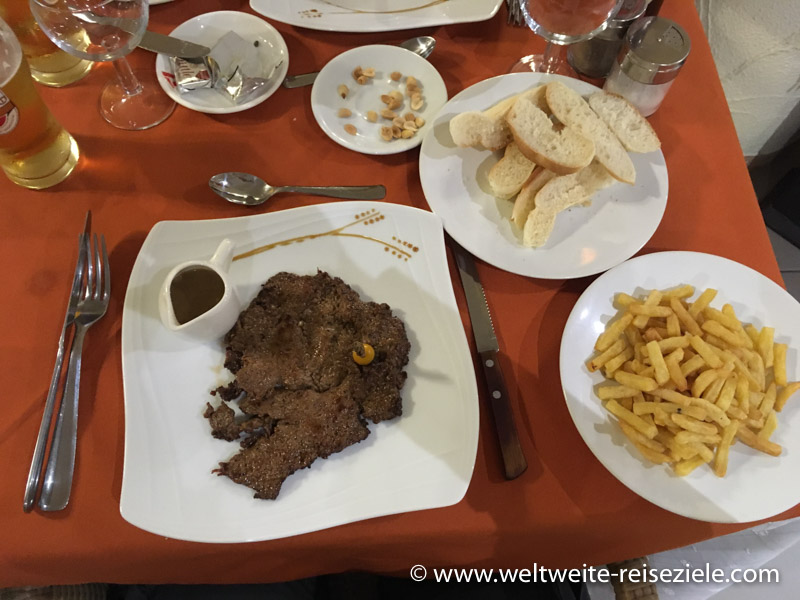 Abendessen, Zebu Filet Hotel Royal Palace, Antsirabe