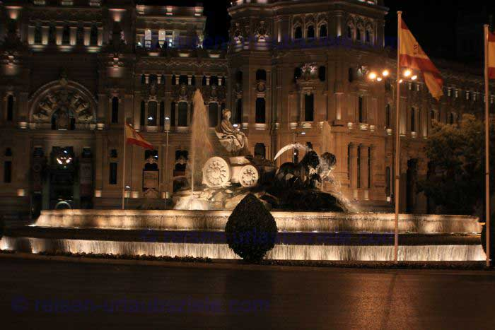 MadridCibelesBrunnenNacht