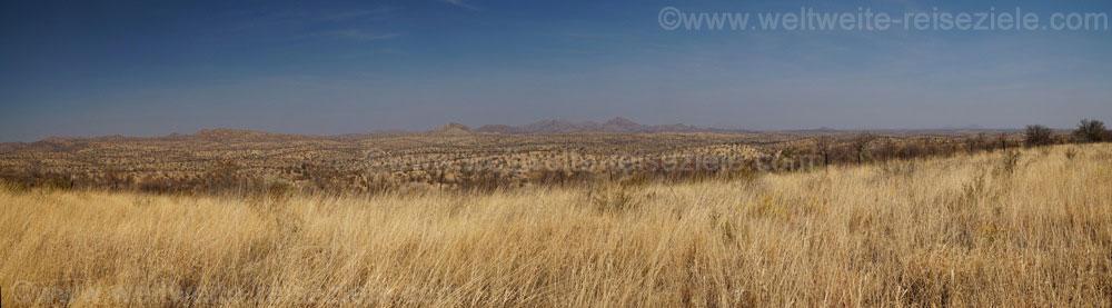 Landschaft etwas südlich von Windhoek, Namibia