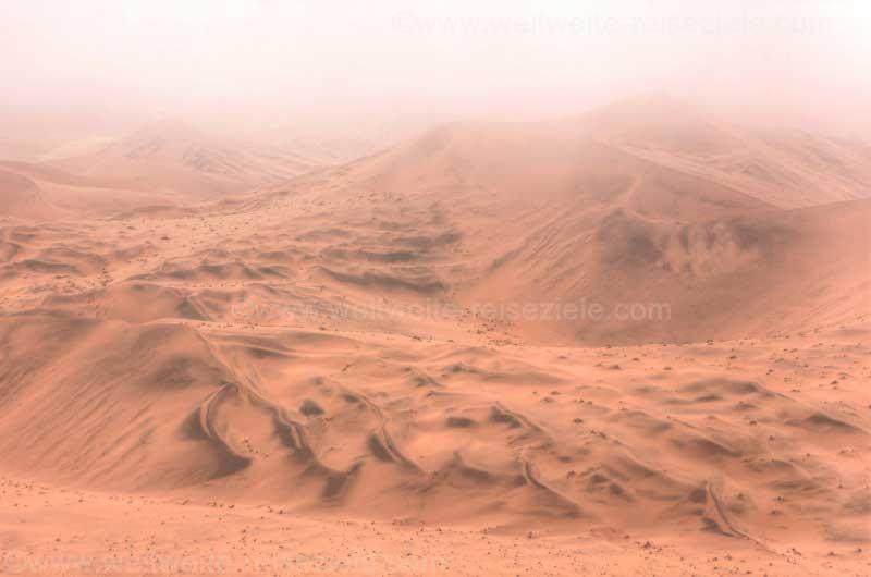Wolken über den Dünen rund um Big Daddy, Namiba