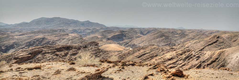 Geschichtete Felsbänder beim Kuiseb Canyon