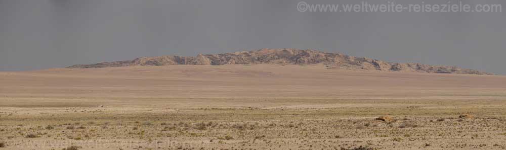 Felsberge, Namibwüste auf dem Weg von Solitaire nach Walfischbay