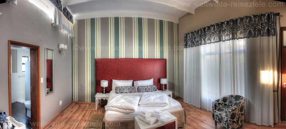 Zimmer mit Doppelbett im Namib Guesthouse, Swakopmund, Namibia