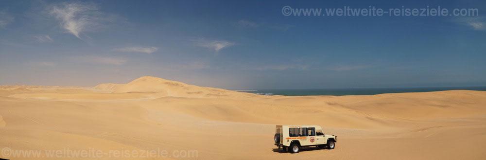 Geländewagen in den Dünen von Swakopmund