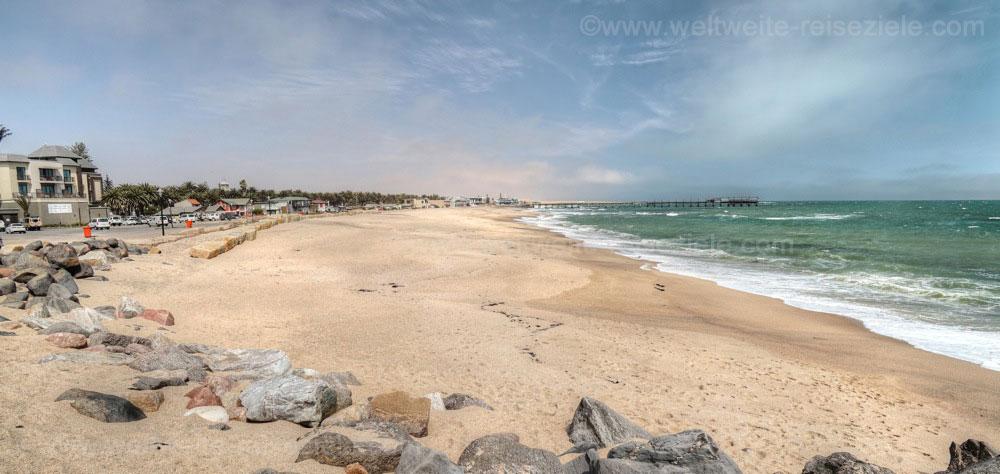 Strand nördlich der Jetty von Swakopmund