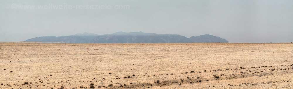 Wüstenlandschaft im Süden des Brandberg, Namibia