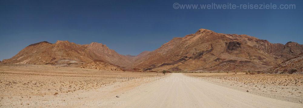 Strasse zum Brandberg, Namibia