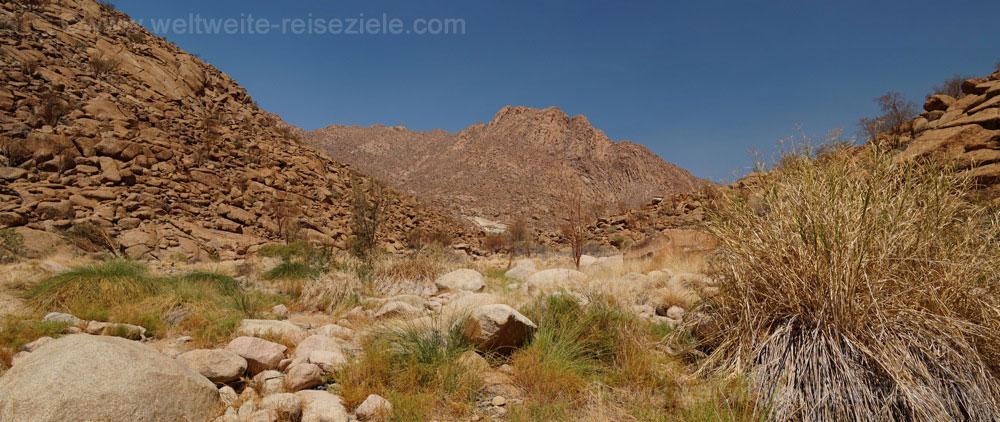 Tal im Brandberg Gebiet, Namibia