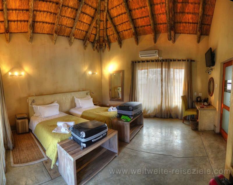 Zimmer der Emanya Lodge, Namiba