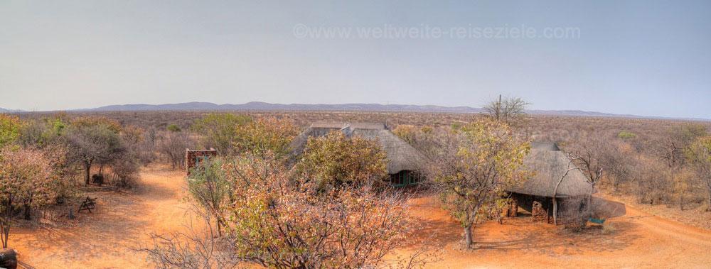 Haupthaus der Otjitotongwe Cheetah Guestfarm