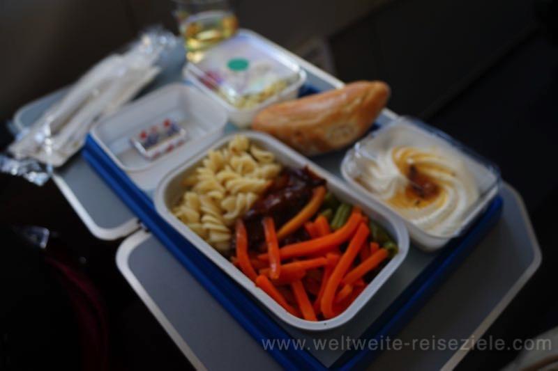 Essen auf dem Flug mit Air Namibia von Windhoek nach Johannesburg
