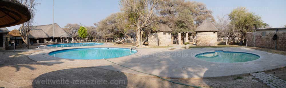 Pool vom Okaukuejo Camp, Etosha Nationalpark