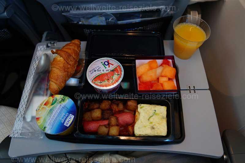 Mittagessen bei Qatar, Flug Doha Johannesburg