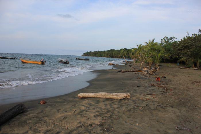 Ein Urlaub in Brasilien ist sich am Strand erholen